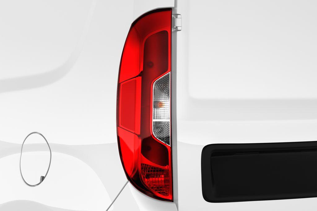 Fiat Doblo Basis Transporter (2010 - heute) 4 Türen Rücklicht