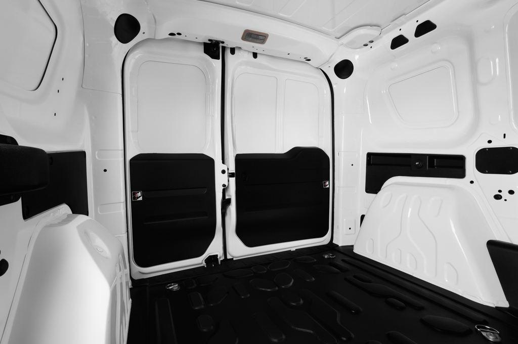Fiat Doblo Basis Transporter (2010 - heute) 4 Türen Rücksitze