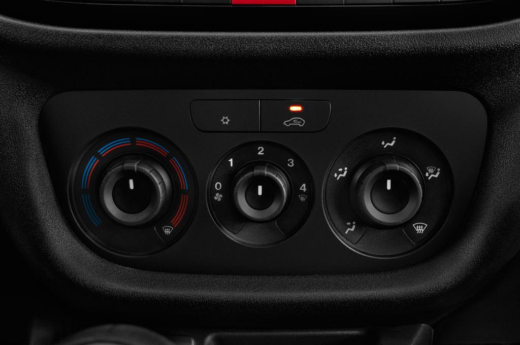 Fiat Doblo Basis Transporter (2010 - heute) 4 Türen Temperatur und Klimaanlage