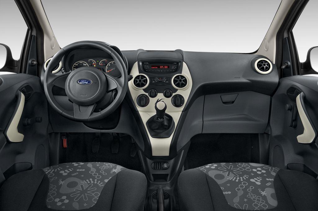 Ford Ka Concept Kleinwagen (2008 - 2016) 3 Türen Cockpit und Innenraum