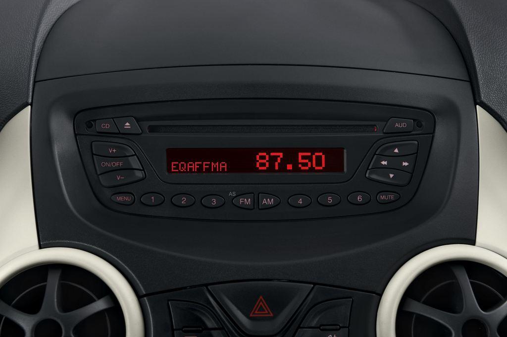 Ford Ka Concept Kleinwagen (2008 - 2016) 3 Türen Radio und Infotainmentsystem
