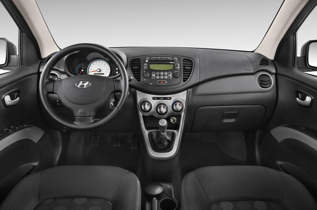Hyundai i10 Style Kleinwagen (2008 - 2013) 5 Türen Cockpit und Innenraum