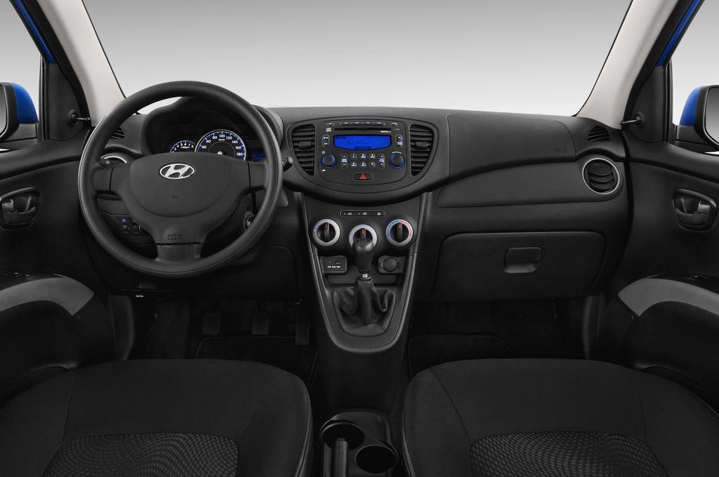 Hyundai i10 Classic Kleinwagen (2008 - 2013) 5 Türen Cockpit und Innenraum