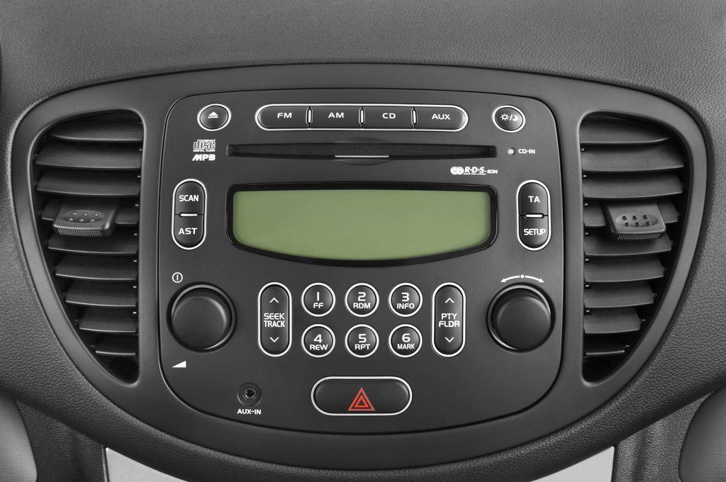 Hyundai i10 Style Kleinwagen (2008 - 2013) 5 Türen Radio und Infotainmentsystem