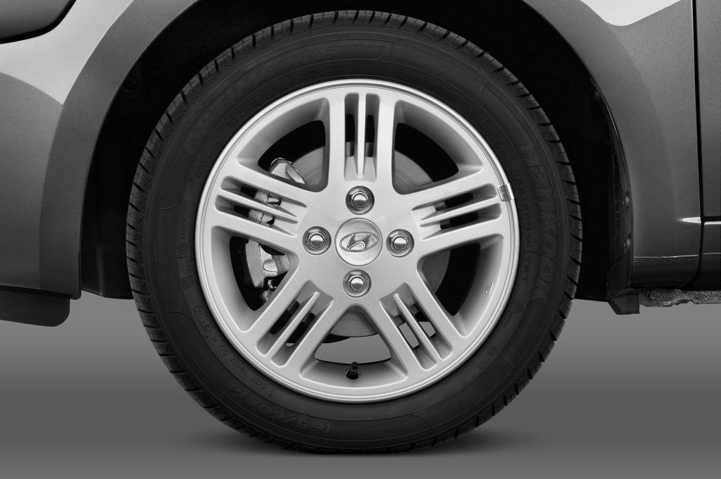 Hyundai i10 Style Kleinwagen (2008 - 2013) 5 Türen Reifen und Felge