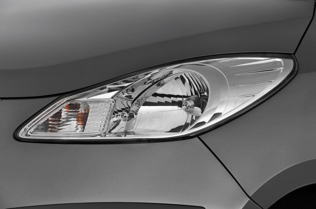 Hyundai i10 Style Kleinwagen (2008 - 2013) 5 Türen Scheinwerfer