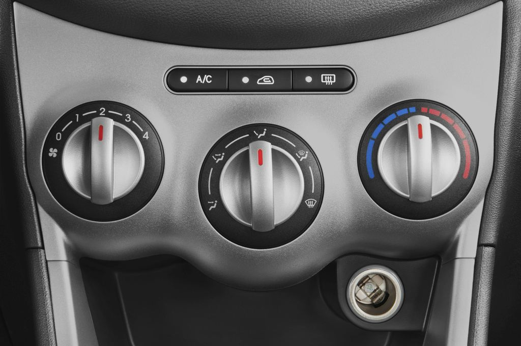 Hyundai i10 Style Kleinwagen (2008 - 2013) 5 Türen Temperatur und Klimaanlage