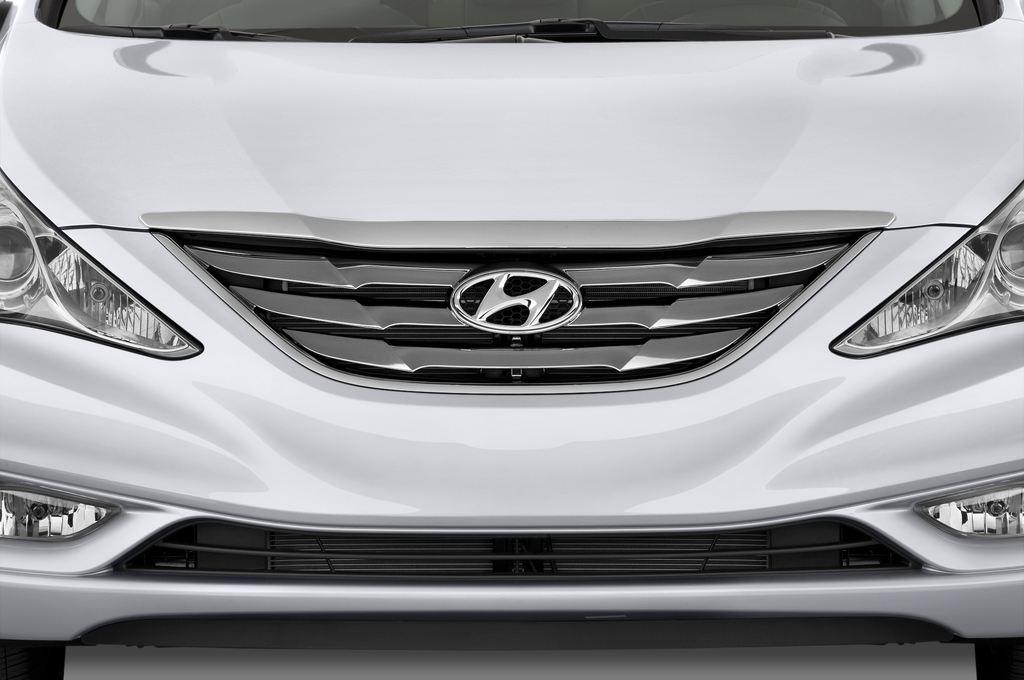 Hyundai Sonata Comfort Limousine (2005 - 2010) 4 Türen Kühlergrill und Scheinwerfer