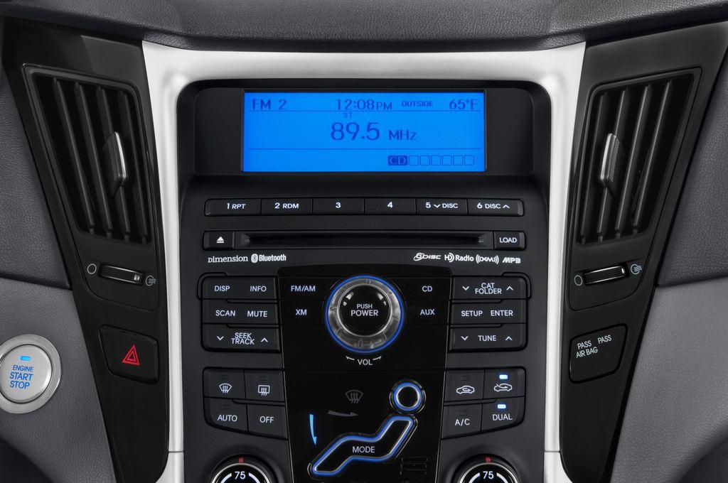 Hyundai Sonata Comfort Limousine (2005 - 2010) 4 Türen Radio und Infotainmentsystem