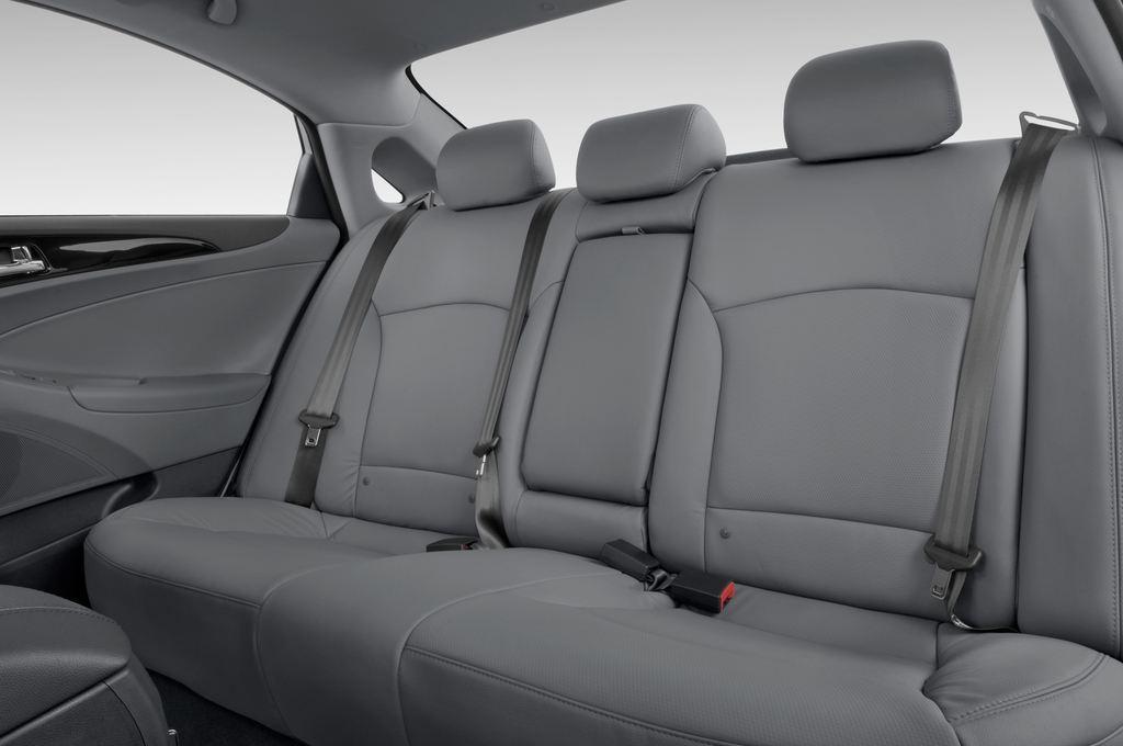 Hyundai Sonata Comfort Limousine (2005 - 2010) 4 Türen Rücksitze