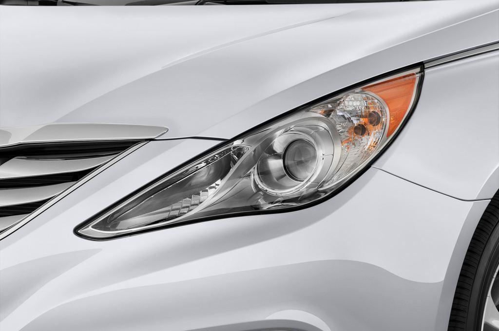 Hyundai Sonata Comfort Limousine (2005 - 2010) 4 Türen Scheinwerfer