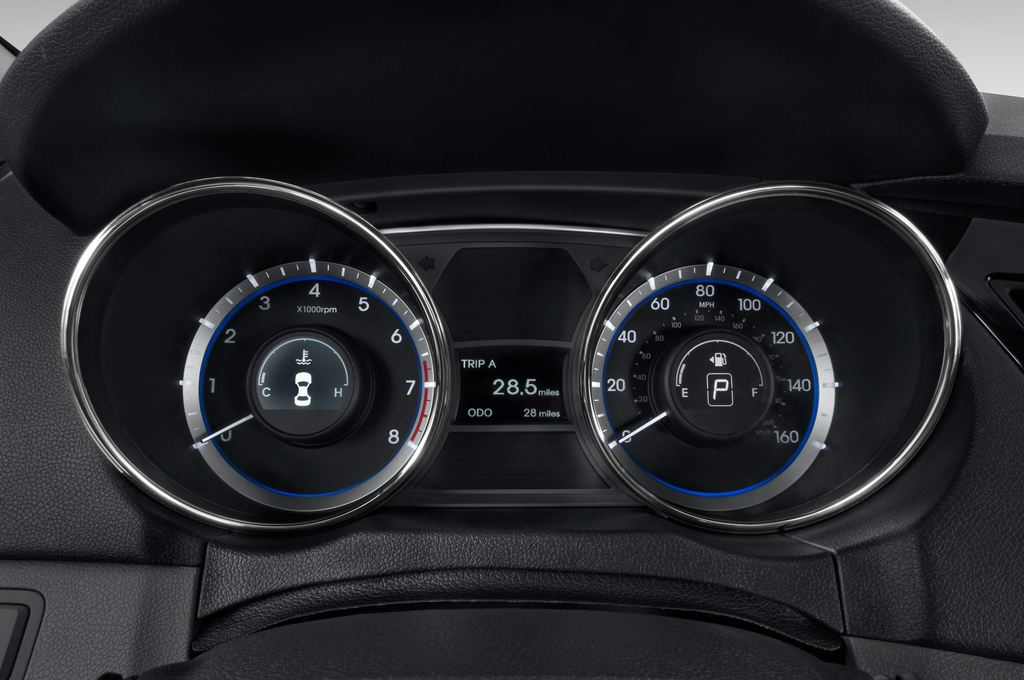 Hyundai Sonata Comfort Limousine (2005 - 2010) 4 Türen Tacho und Fahrerinstrumente