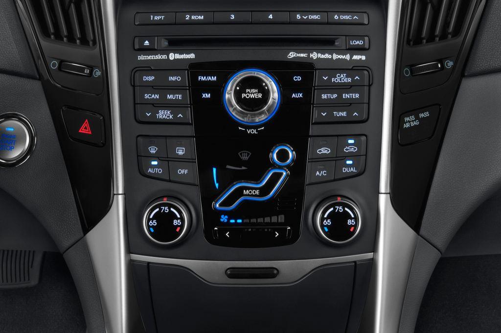 Hyundai Sonata Comfort Limousine (2005 - 2010) 4 Türen Temperatur und Klimaanlage