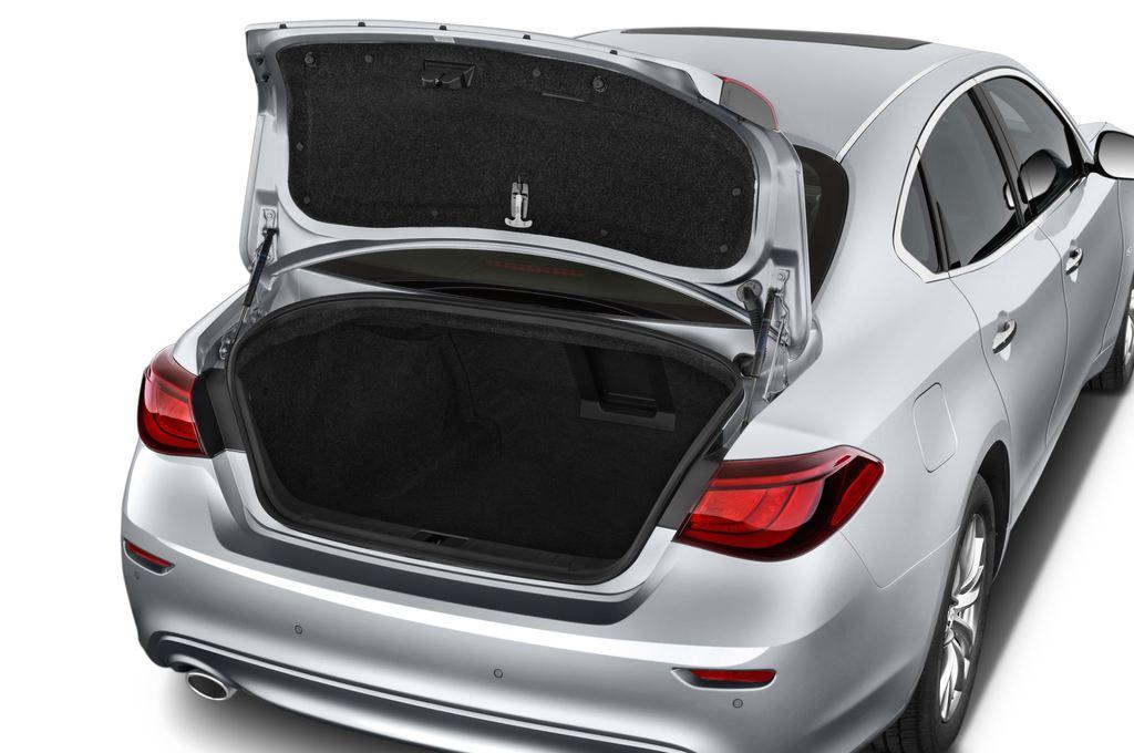 Infiniti Q70 Sport Tech Limousine (2013 - heute) 4 Türen Kofferraum