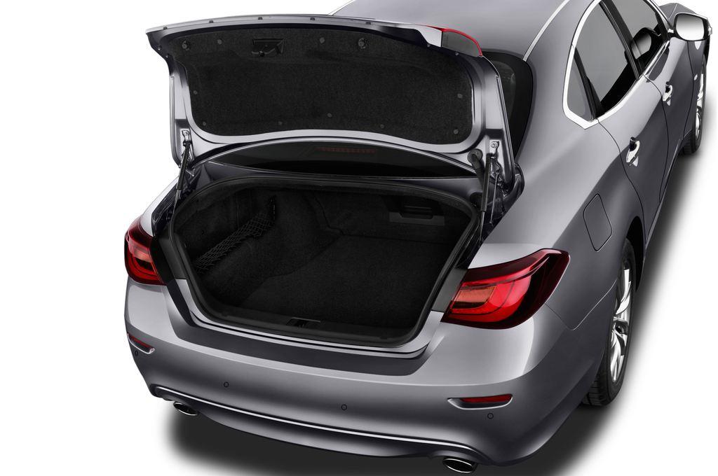 Infiniti Q70 Premium Limousine (2013 - heute) 4 Türen Kofferraum