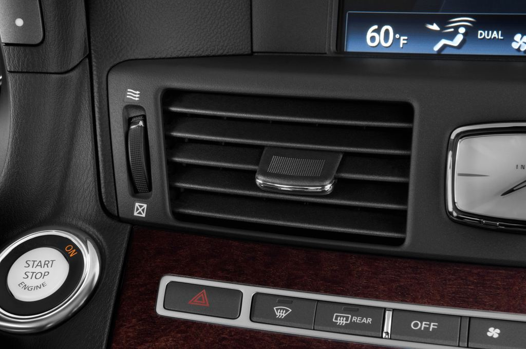 Infiniti Q70 3.7 V6 7AT Limousine (2013 - heute) 4 Türen Lüftung