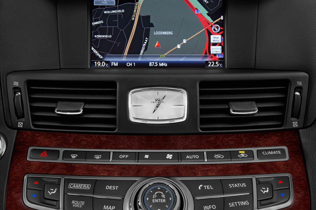 Infiniti Q70 Premium Limousine (2013 - heute) 4 Türen Lüftung