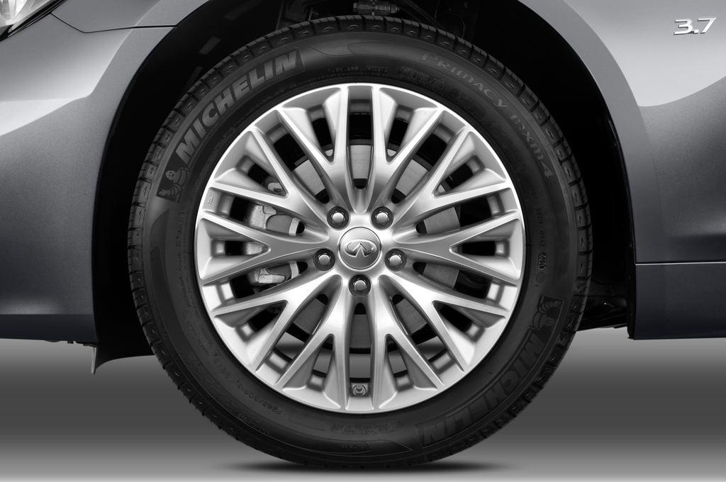 Infiniti Q70 3.7 V6 7At Limousine (2013 - heute) 4 Türen Reifen und Felge