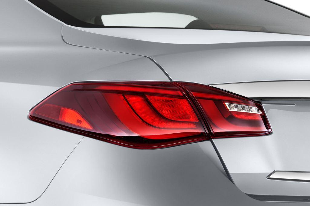 Infiniti Q70 Sport Tech Limousine (2013 - heute) 4 Türen Rücklicht