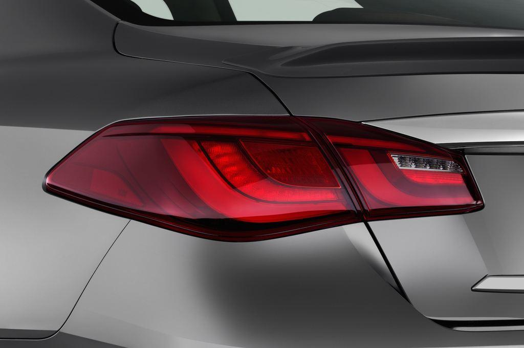 Infiniti Q70 Premium Limousine (2013 - heute) 4 Türen Rücklicht