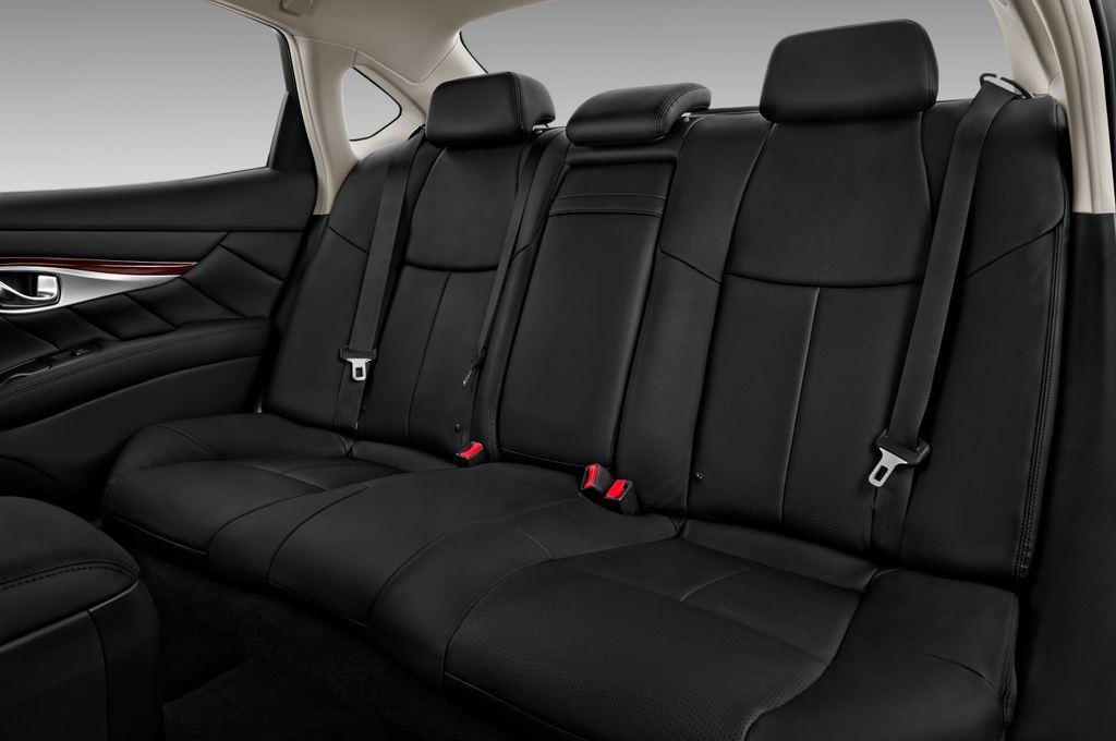 Infiniti Q70 Premium Limousine (2013 - heute) 4 Türen Rücksitze