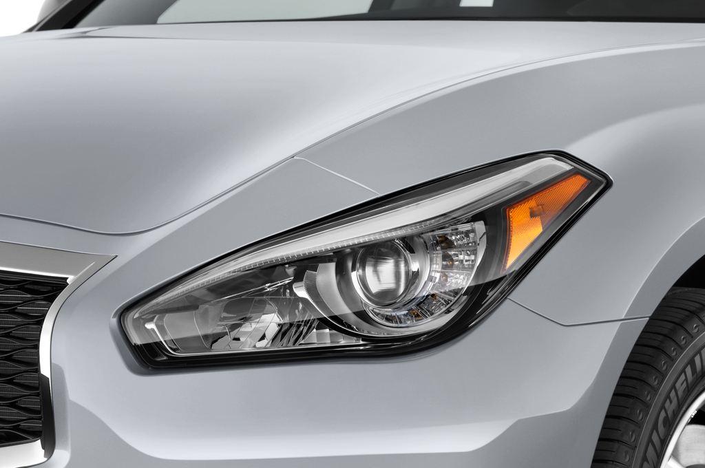 Infiniti Q70 Sport Tech Limousine (2013 - heute) 4 Türen Scheinwerfer