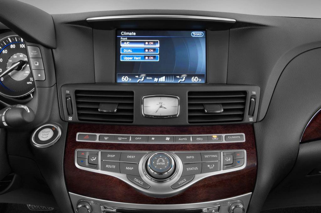 Infiniti Q70 3.7 V6 7AT Limousine (2013 - heute) 4 Türen Temperatur und Klimaanlage