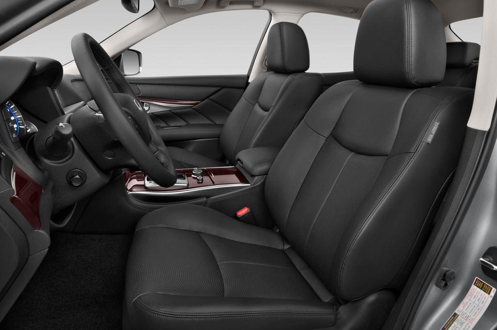 Infiniti Q70 3.7 V6 7At Limousine (2013 - heute) 4 Türen Vordersitze