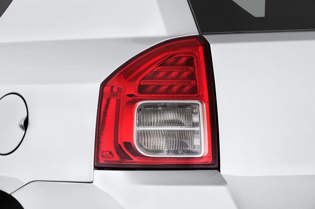Jeep Compass Sport SUV (2007 - 2016) 5 Türen Rücklicht