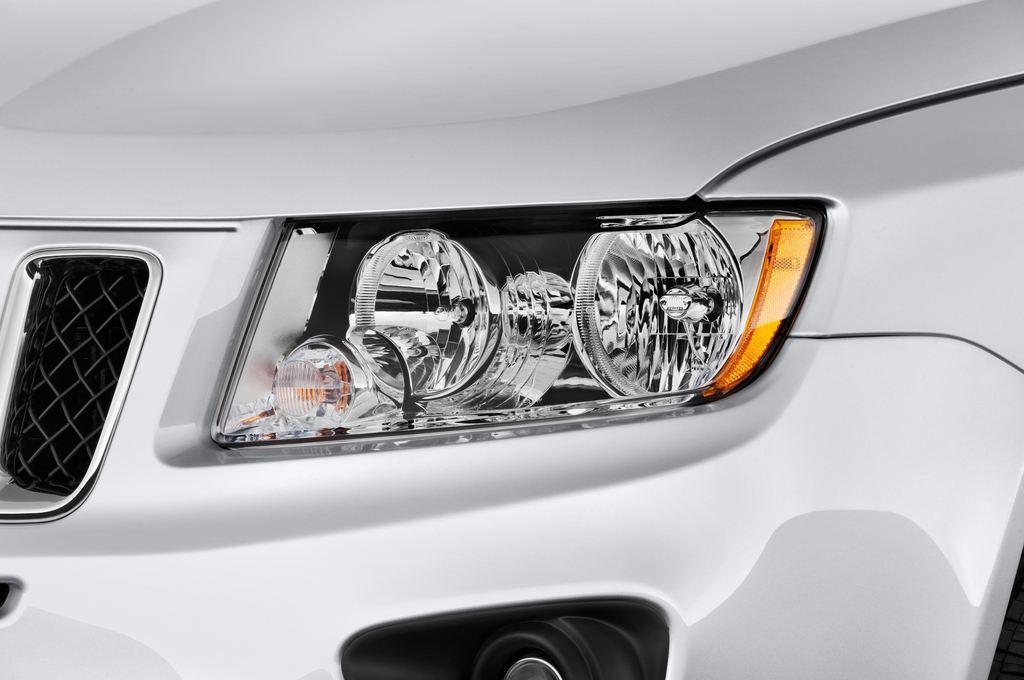 Jeep Compass Sport SUV (2007 - 2016) 5 Türen Scheinwerfer