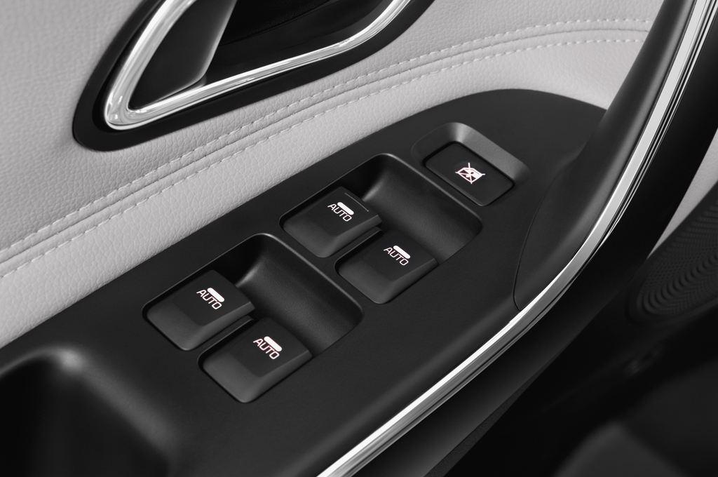 Kia Ceed Spirit Kompaktklasse (2012 - heute) 5 Türen Bedienungselemente Tür