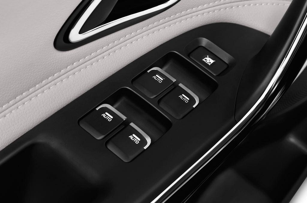 Kia Ceed Platinum Edition Kompaktklasse (2012 - heute) 5 Türen Bedienungselemente Tür