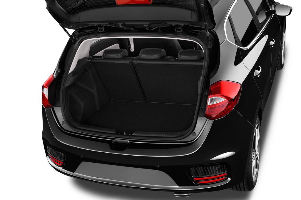 Kia Ceed Platinum Edition Kompaktklasse (2012 - heute) 5 Türen Kofferraum