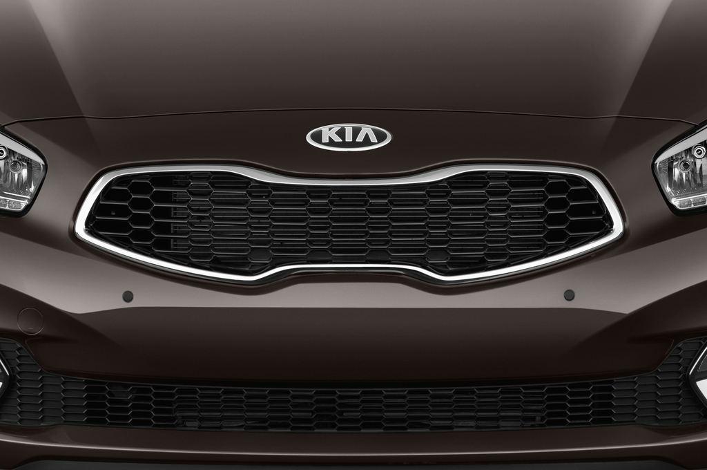 Kia Ceed Spirit Kompaktklasse (2012 - heute) 5 Türen Kühlergrill und Scheinwerfer