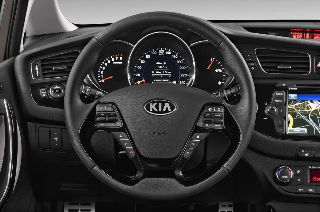 Kia Ceed Spirit Kompaktklasse (2012 - heute) 5 Türen Lenkrad