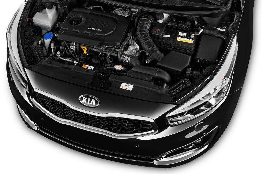 Kia Ceed Platinum Edition Kompaktklasse (2012 - heute) 5 Türen Motor