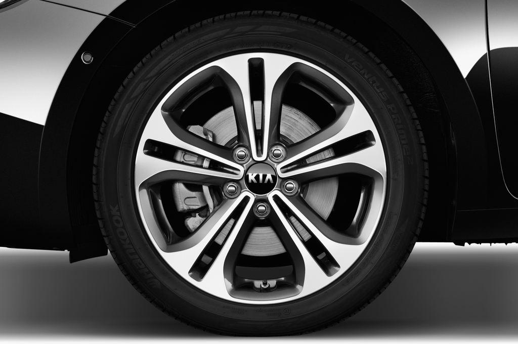 Kia Ceed Platinum Edition Kompaktklasse (2012 - heute) 5 Türen Reifen und Felge