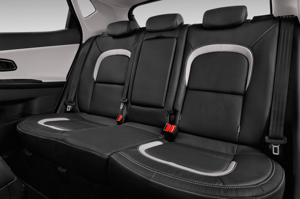 Kia Ceed Platinum Edition Kompaktklasse (2012 - heute) 5 Türen Rücksitze