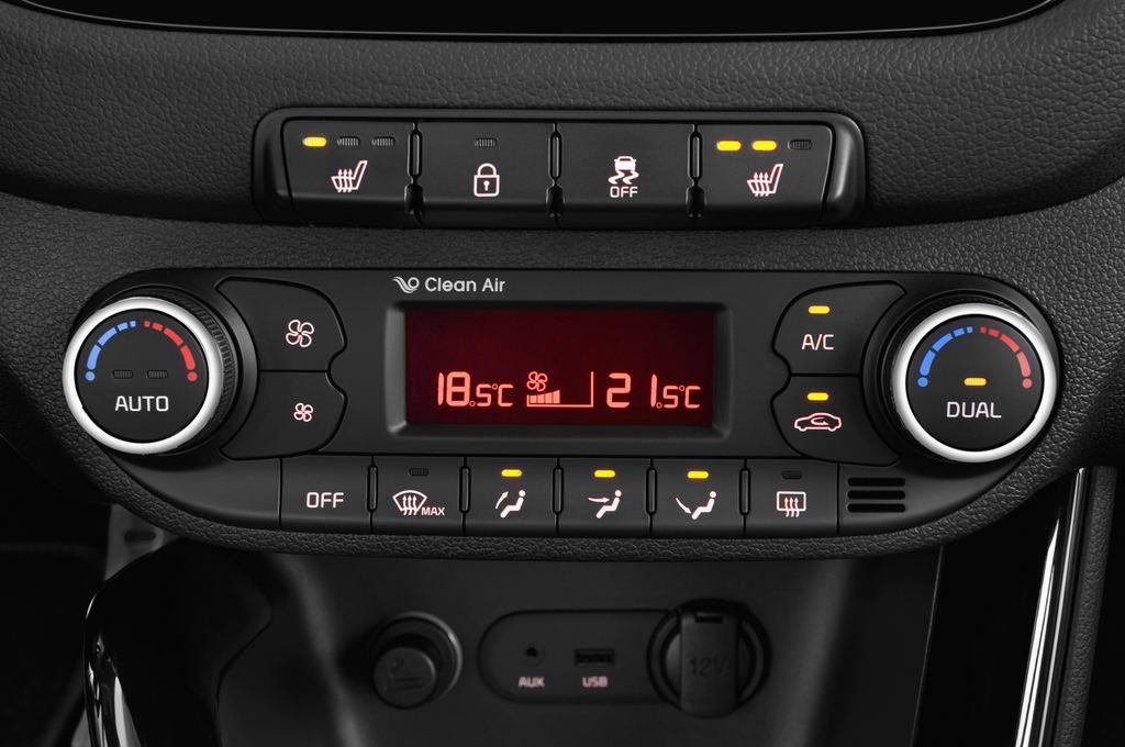 Kia Ceed Spirit Kompaktklasse (2012 - heute) 5 Türen Temperatur und Klimaanlage