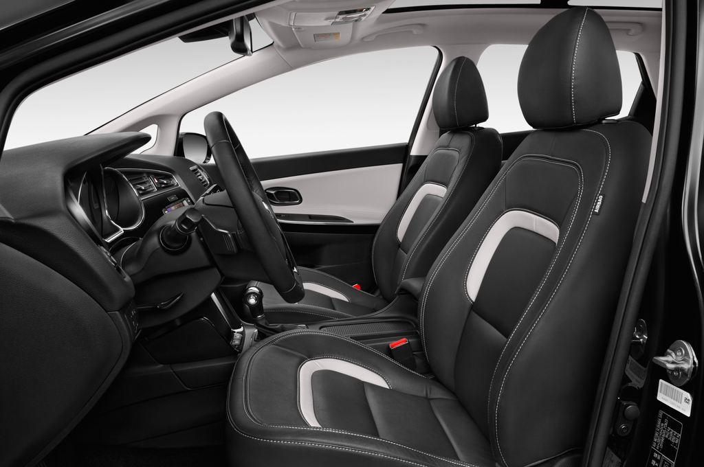 Kia Ceed Platinum Edition Kompaktklasse (2012 - heute) 5 Türen Vordersitze