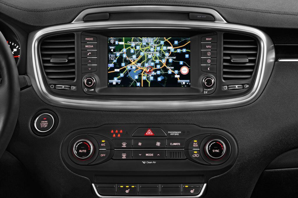 Kia Sorento Spirit SUV (2015 - heute) 5 Türen Mittelkonsole