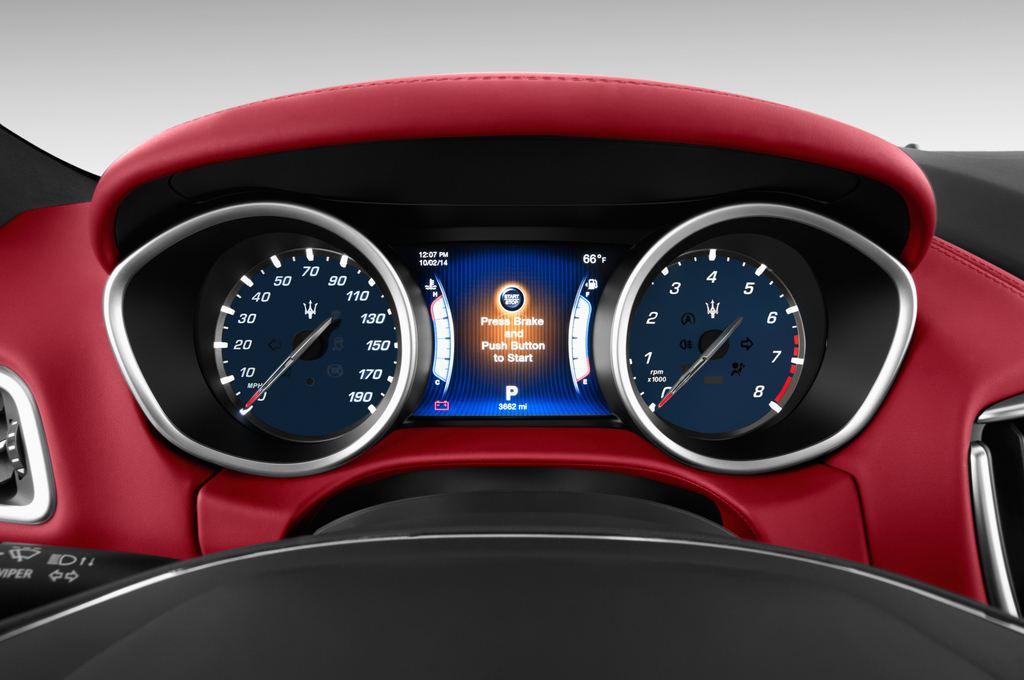 Maserati Ghibli S Q4 Limousine (2013 - heute) 4 Türen Tacho und Fahrerinstrumente