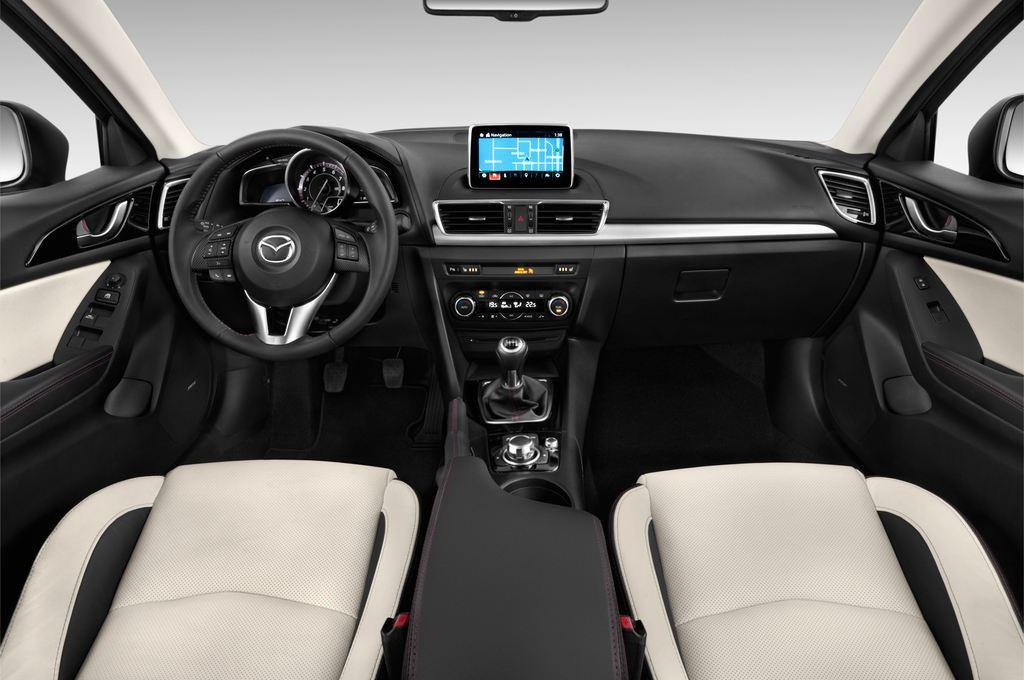 Mazda 3 Sports-Line Kompaktklasse (2013 - heute) 4 Türen Cockpit und Innenraum