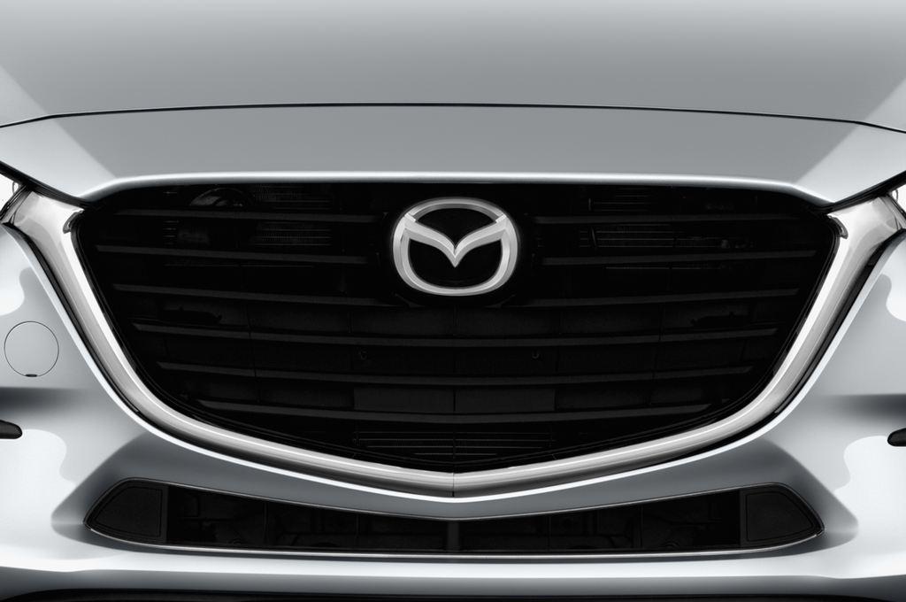 Mazda 3 Center-Line Kompaktklasse (2013 - heute) 4 Türen Kühlergrill und Scheinwerfer