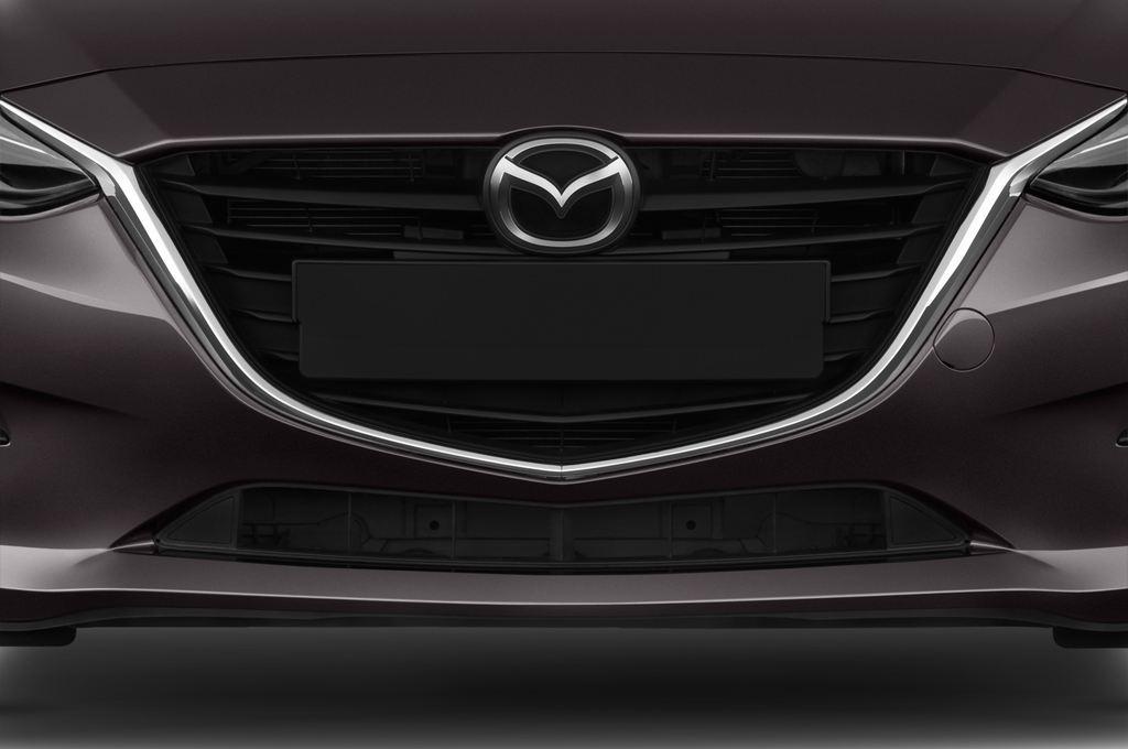 Mazda 3 Center-Line Kompaktklasse (2013 - heute) 5 Türen Kühlergrill und Scheinwerfer