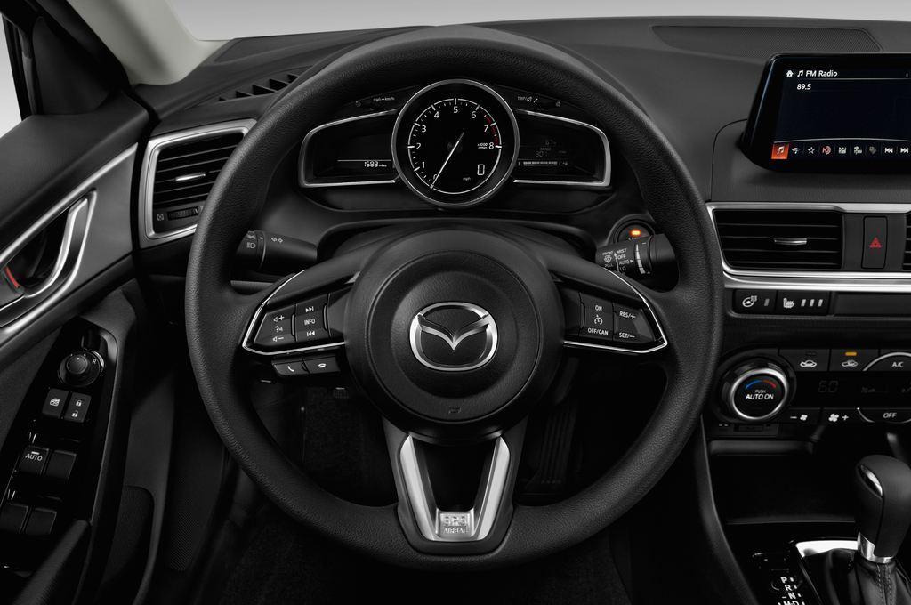 Mazda 3 Center-Line Kompaktklasse (2013 - heute) 4 Türen Lenkrad