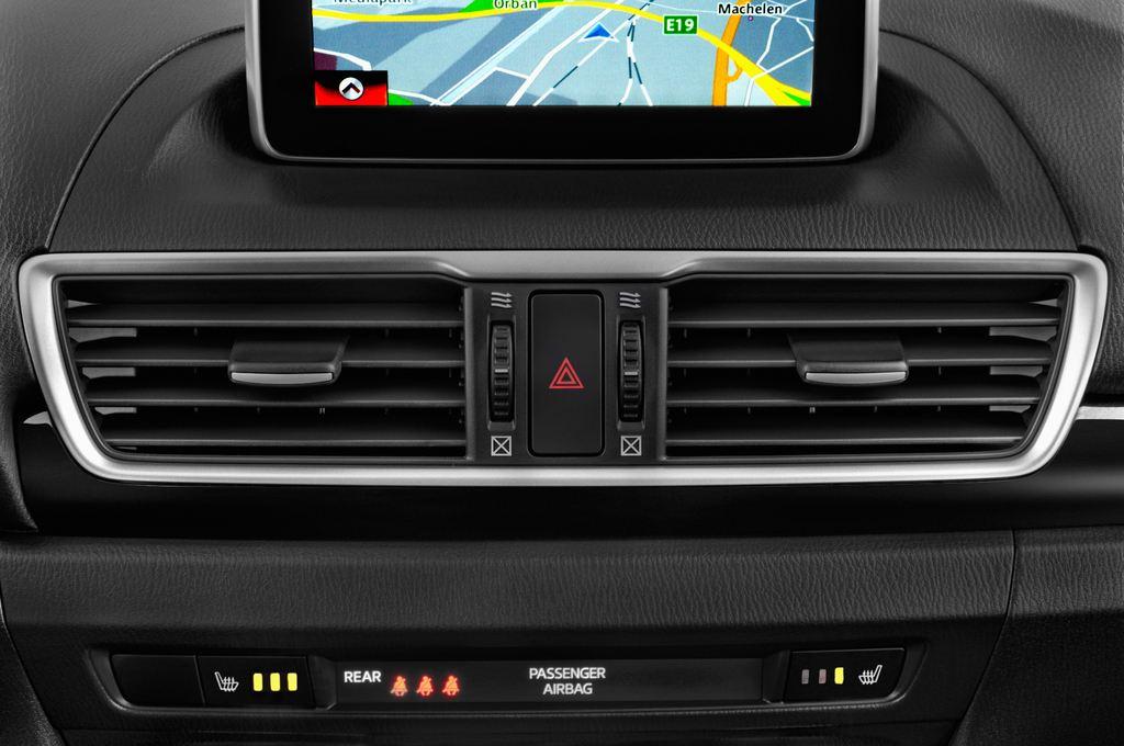 Mazda 3 Center-Line Kompaktklasse (2013 - heute) 5 Türen Lüftung
