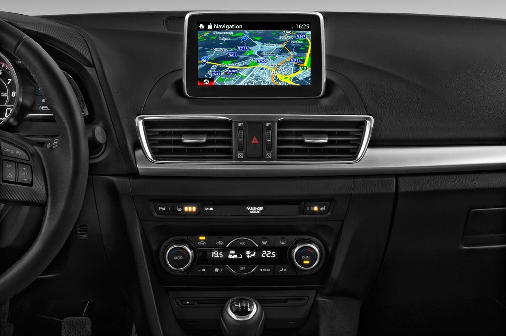 Mazda 3 Sports-Line Kompaktklasse (2013 - heute) 4 Türen Mittelkonsole