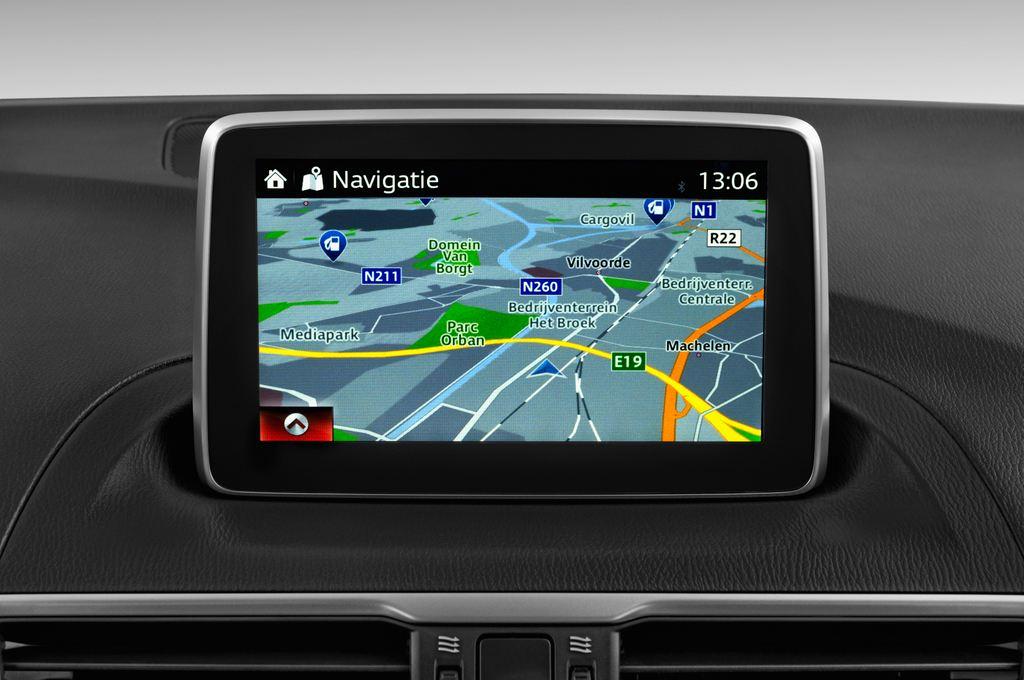 Mazda 3 Center-Line Kompaktklasse (2013 - heute) 5 Türen Radio und Infotainmentsystem