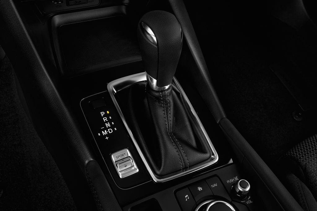 Mazda 3 Center-Line Kompaktklasse (2013 - heute) 4 Türen Schalthebel
